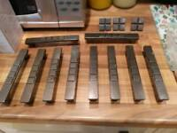 10 cupboard handles & 3 drawr knobs