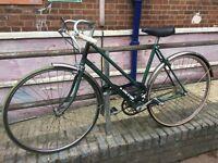 Vintage 19 inch Bike for sale, Lock and Helmet (Medium) included