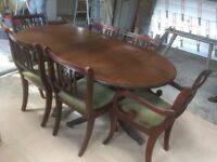 Mahogany 6 seater family dining room table and chairs