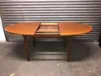 Macintosh oval middle flip leaf table