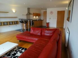 Long Term or Short Term - 1 Bed Spacious Flat in Castlefield with secure underground parking