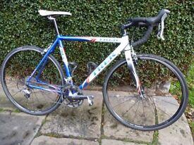 Trek 1500 SLR Road Racing Bike, Mens Medium 54cm. Shimano 30 Speed 105/Ultegra