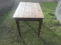ANTIQUE VICTORIAN PINE TURNED LEG TABLE