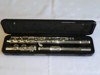 Yamaha 211 Flute, excellent condition, with hard case and soft carry case