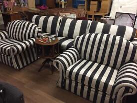 Large sofa & 2 Chairs