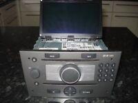 SAT Navi CD70 and Colour Information Display (CID)