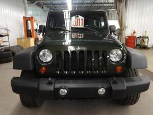 2011 Jeep Wrangler SPORT 2 TOITS BAS KILOMETRAGE !!