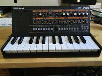 Roland Boutique JP-08 Synthesizer + K-25m Keyboard