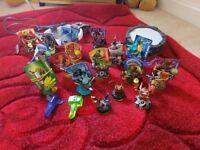 Skylanders bundle figures traps and portal - Xbox One
