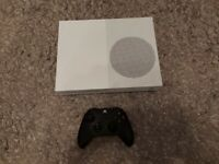 XBOX ONE S 1TB WITH CONTROLLER