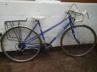 Classic Peugeot road bike - Ladies town bicycle