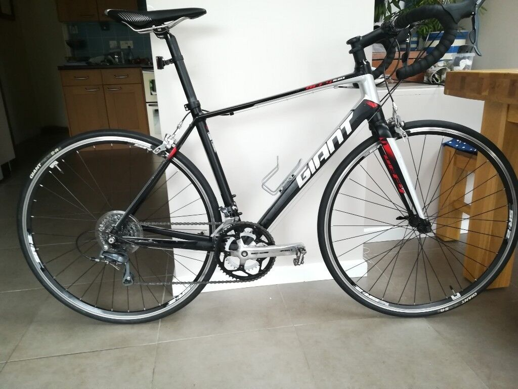 f95e55d4226 Giant Defy 5 2015 Size M | in Malvern, Worcestershire | Gumtree