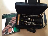 Windsor Bb clarinet (includes hard case) and clarinet book