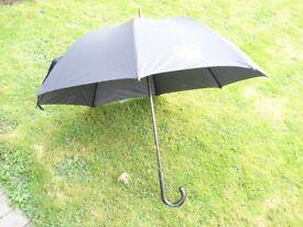 """Balmain 41"""" umbrella."""