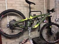 Bargain Giant Reign Advanced 27.5.1 Medium Mountain Bike **UPGRADED**
