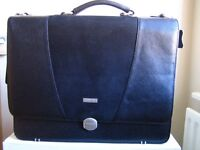 New Toshiba Black Leather Laptop Carry Case for 17in