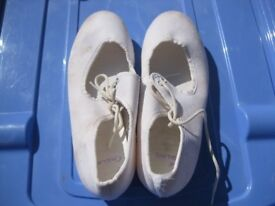 DANCE SHOES - WHITE TAP SHOES size 12-13 approx - lace up / only toe tap - Great Condition