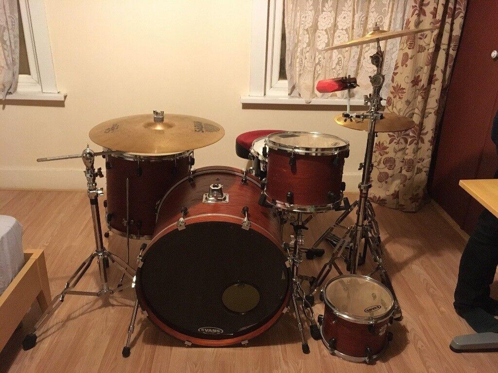 Yamaha Stage Custom Drum Kit W Sabian Cymbal Set Gilbratar
