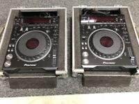 2 x Pioneer DVJ-1000 Professional CDJ CD DVD Decks & flightcases