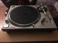 TECHNICS SL-1200 MK5 Turntables
