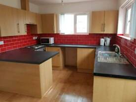 5 bed sudent house carmarthen