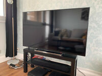 Toshiba 49 Inch 4K Ultra HD Smart LED WLAN TV / Freeview Play and chrome surround