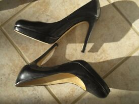 Classic L K Bennett 'Sledge' shoes: Size 36 (UK 3)