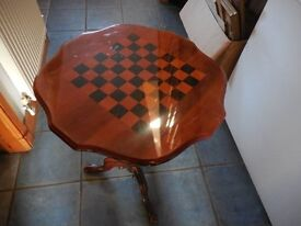 GAMES TABLE CHESS OR DRAUGHTS CHADDESDEN