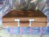Vintage/retro suitcase