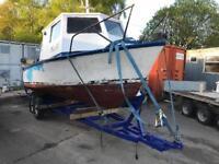 Boat 22 foot fibreglass with inboard diesel engine