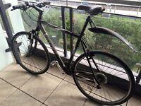 Good quality Trek 7300 commuter bike size 22.5. Price GBP 180.