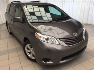 2017 Toyota Sienna LE: Accident Free, 8 Passenger.