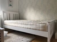 Single bed and mattress. Very good condition