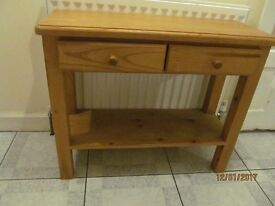 SOLID PINE CONSOLE TABLE WTH 2 DRAWERS WITH DOVETAIL JOINTS EX CONDITION
