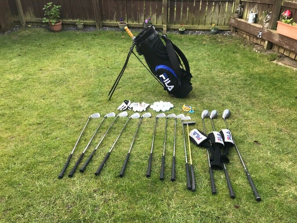 a724ec11bd7a Full set of Wilson golf clubs with bag