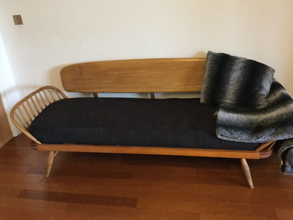 Delivery Available Vintage Ercol Day Bed Studio Couch Sofa