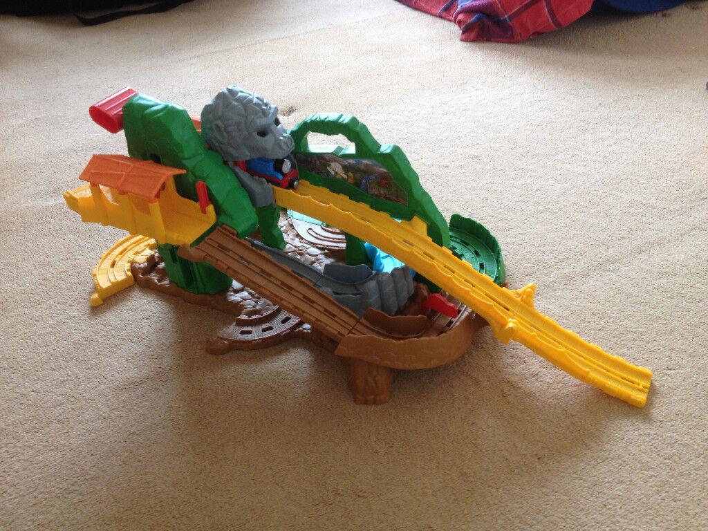 Thomas & Friends take-n-play bundle