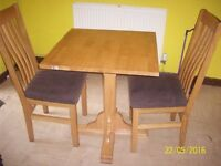OAKEN TABLE + 2 CHAIRS