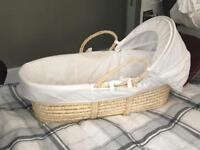 Moses basket & sheets