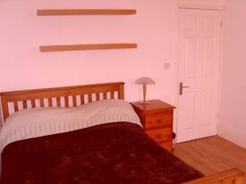 Large Double Room Available. Relaxed sociable house-share in Bearwood. All Inclusive!