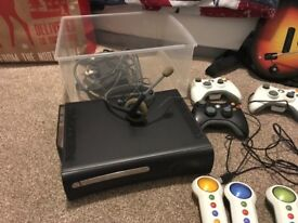 120 GB X-Box 360 with KINECT
