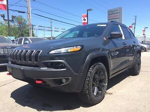2017 Jeep Cherokee NEW, 15% OFF Trailhawk, V6, sunroof, pwr lift