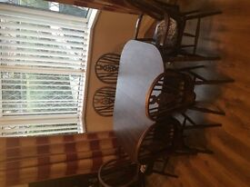Priory Oak Extendable Dining Table with 6 chairs