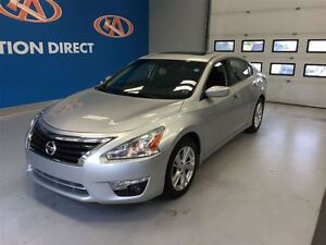 2015 Nissan Altima 2.5 SV, Hands free & rear view camera