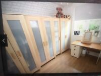 Wardrobe / Consul Tables / Wall Unit / Pictures / Ab-Circle Pro