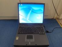 Acer TravelMate 220 windows xp laptop