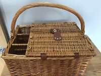 Wicker Picnic Basket - 4 settings