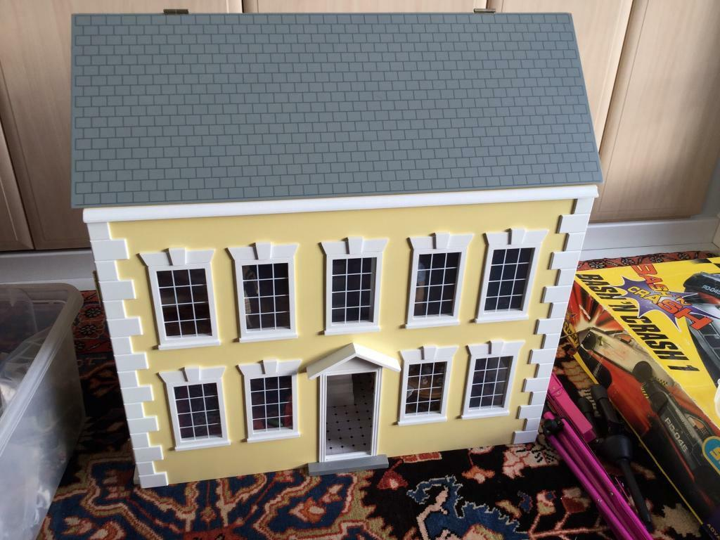 Large Dolls House, Furniture and Family
