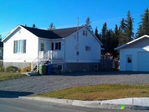 194 000$ - Maison à un étage et demi à vendre à Malartic