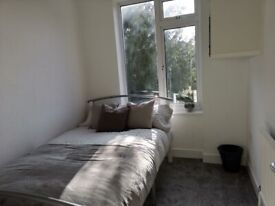 Luxury Single Room in Town Centre Fully Furnished - Available Now